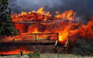 EstesPark burning home (wildfire)